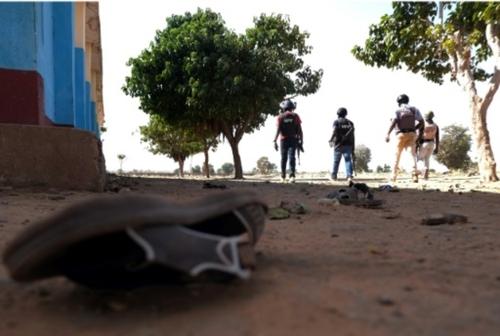 """Rapt de masse au Nigeria: un lycéen """"terrifié"""" raconte l'attaque de..."""
