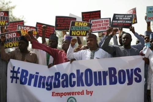 Rapt d'élèves au Nigeria: au moins 300 ont été libérés