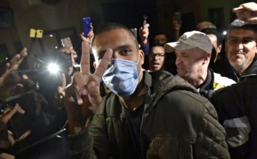 Algérie: Khaled Drareni, symbole de la liberté de la presse, va...