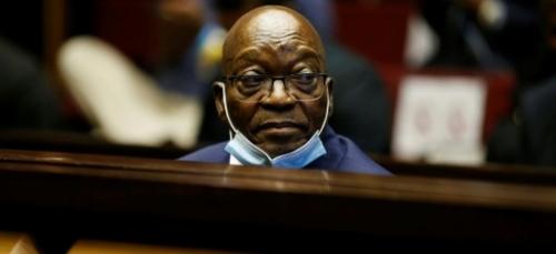 Afrique du Sud: Jacob Zuma condamné à 15 mois de prison pour...