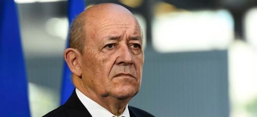 Jean-Yves Le Drian demande au Mali et au Burkina d'agir plus...