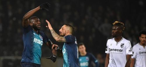 Moussa Marega quitte le terrain, victime de cris racistes