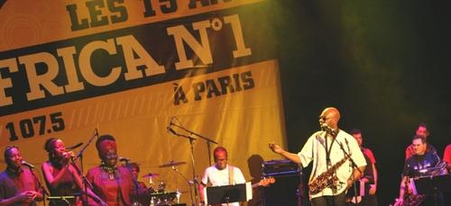 Hommage à Manu Dibango : RDV à 18h10 (T.U) pour revivre un concert...