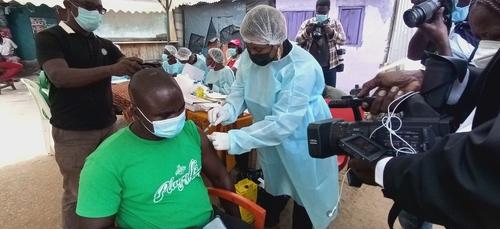 La Côte d'Ivoire intensifie la vaccination contre Ebola