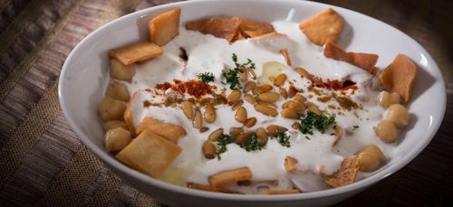 Recette : fattet hummus (purée de pois chiches au sésame et yaourt...