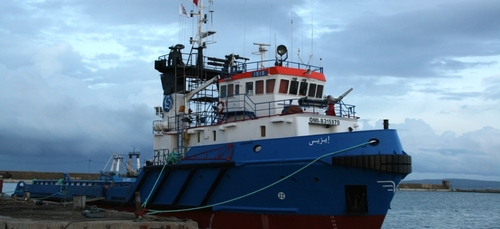 Désespéré, le capitaine du navire tunisien qui a secouru des...