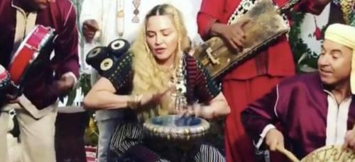 (Vidéo) Madonna s'initie à la darbouka et remercie le Maroc !