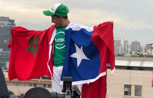 (Vidéo) Un marocain marche sur un câble 50 mètres au-dessus du vide...