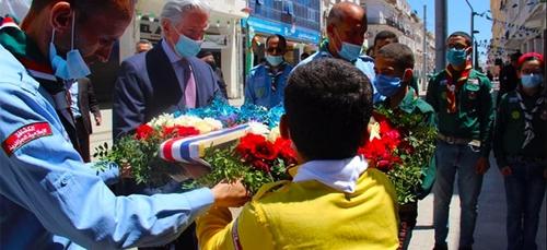 L'ambassadeur de France en Algérie rend hommage aux victimes du...