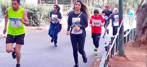 Alger : Les artistes mouillent le maillot !