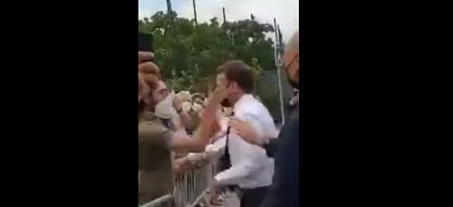 [VIDEO] Macron se prend une tarte... à Tain !