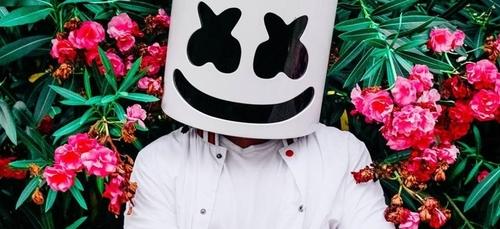 Marshmello tease sa nouvelle collaboration avec des cupcakes (Vidéo)