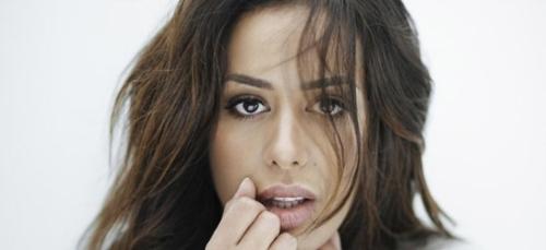 Amel Bent : la raison pour laquelle elle fait « peur » à son mari !