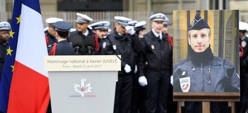 Policier assassiné sur les Champs-Elysées en 2017 : quatre hommes...