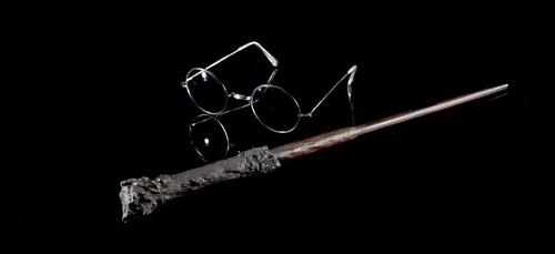 La vraie baguette Harry Potter et des sabres Star Wars bientôt...