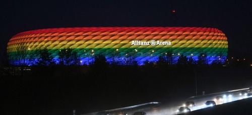 """Stade aux couleurs arc-en-ciel : le refus de l'UEFA, une """"décision..."""