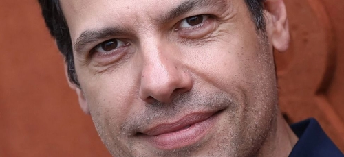 Netflix : Laurent Lafitte incarnera Bernard Tapie dans une nouvelle...
