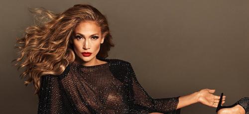 Décoiffée au réveil, Jennifer Lopez dévoile sa tête au naturel (photo)