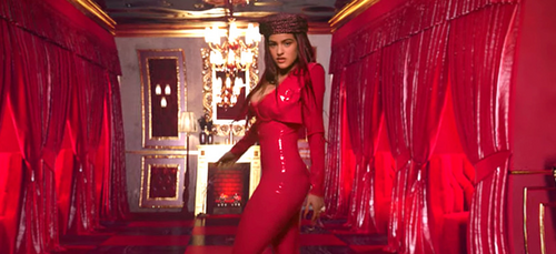 Rosalía sous le flot des critiques après son apparition dans le...