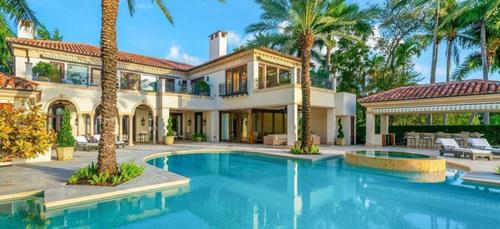 Jennifer Lopez : sa nouvelle villa à 40 millions de dollars fascine...