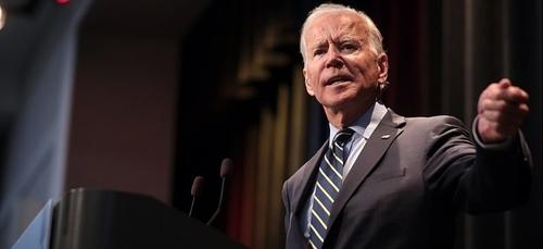 Joe Biden suspend la construction du mur à la frontière mexicaine