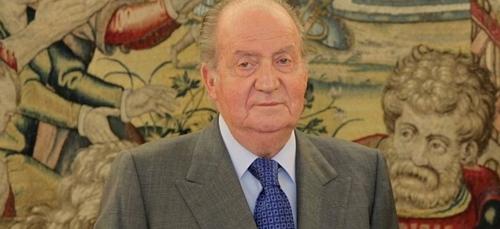 Polémique en Espagne : les filles du roi Juan Carlos vaccinées à...