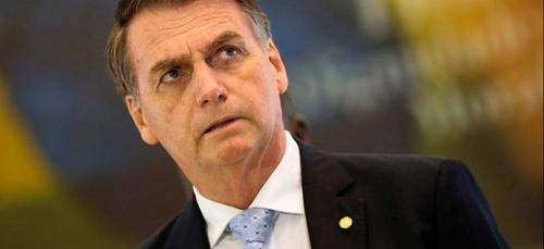 """Covid : Bolsonaro demande aux Brésiliens """"d'arrêter de geindre"""""""