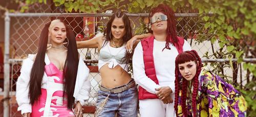"""Natti Natasha célèbre la force des femmes avec le single """"Las..."""
