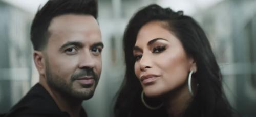 «She's Bingo» : Luis Fonsi collabore avec l'ex-Pussycat Dolls...