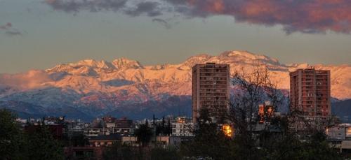 COVID : reconfinement au Chili malgré le très fort taux de...