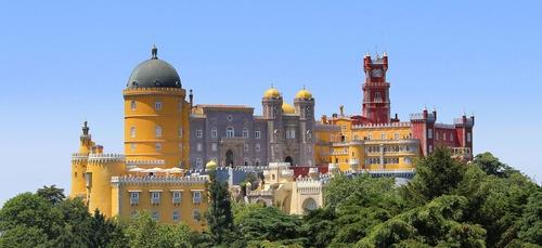 Le Portugal rouvre ses musées et terrasses de café