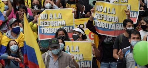 Des manifestations monstres contre la réforme fiscale en Colombie