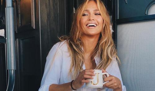 Jennifer Lopez célibataire : la star aperçue avec son ex Ben...