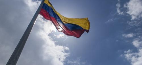 Au Venezuela, l'opposition veut la levée des sanctions contre des...