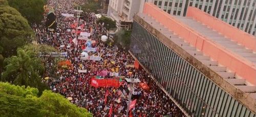 Brésil: de nouvelles manifestations contre Jair Bolsonaro (vidéo)