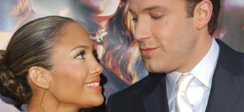 Près de 20 ans après, Jennifer Lopez et Ben Affleck officialisent...