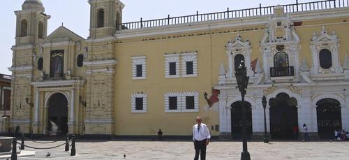 Pérou : l'autorité électorale reprend ses travaux