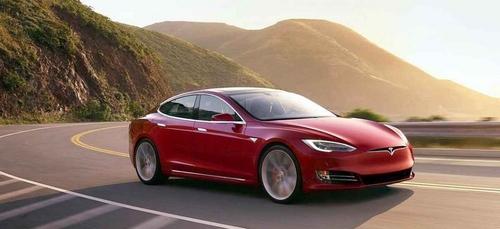 Elon Musk va créer une voiture volante ! (Instant Geek)