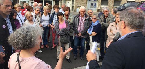 Manif pour défendre la gare de Vire 50 personnes devant la mairie