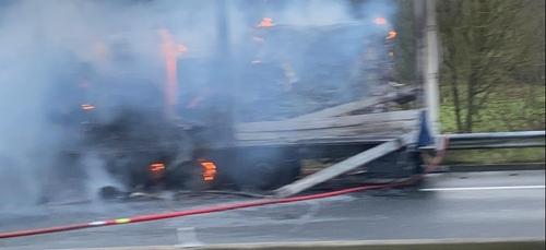 Camion en feu ce matin à la sortie de Villers-Bocage