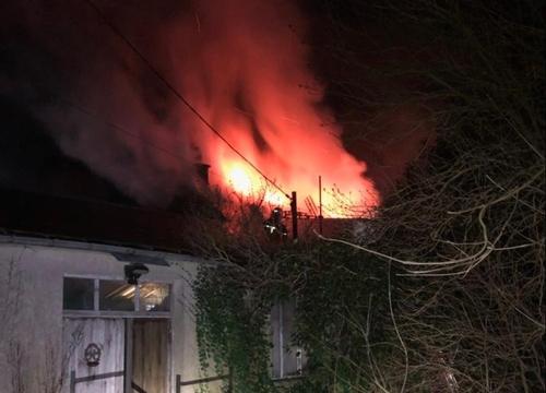 une maison détruite par les flammes à Vaudry !