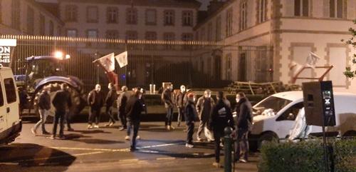 La Roche-sur-Yon : les agriculteurs manifestent ce vendredi matin...