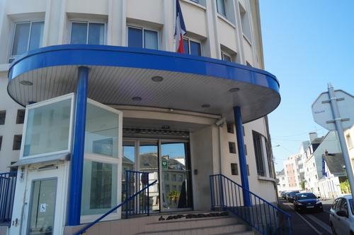 Saint-Nazaire : le voleur maladroit fait tomber son passeport !