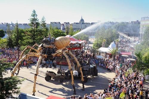 L'araignée géante Kumo se promènera à Nantes ce week-end !