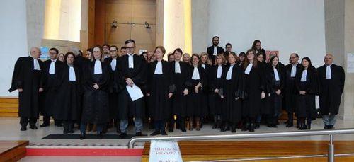 Avocats et magistrats manifestent à Charleville-Mézières