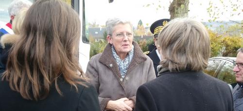 La Ministre Geneviève Darrieussecq en déplacement à Bazeilles pour...