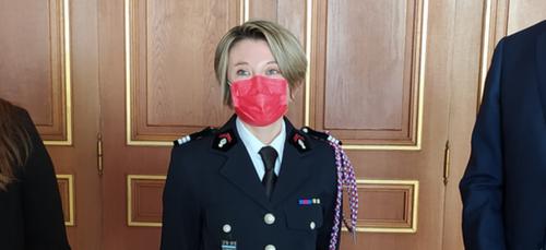 Journée Internationale des Droits des Femmes : une sapeure-pompier...