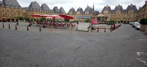 La Place Ducale bientôt interdite à la circulation.