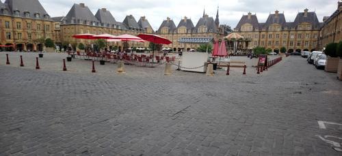 La place Ducale bientôt piétonne : les explications du maire...