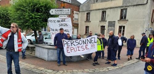 Grève la Poste de Maubert-Fontaine.